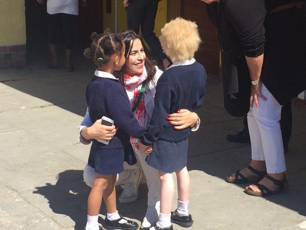 Gabriela Zoană cu copiii din Africa de Sud