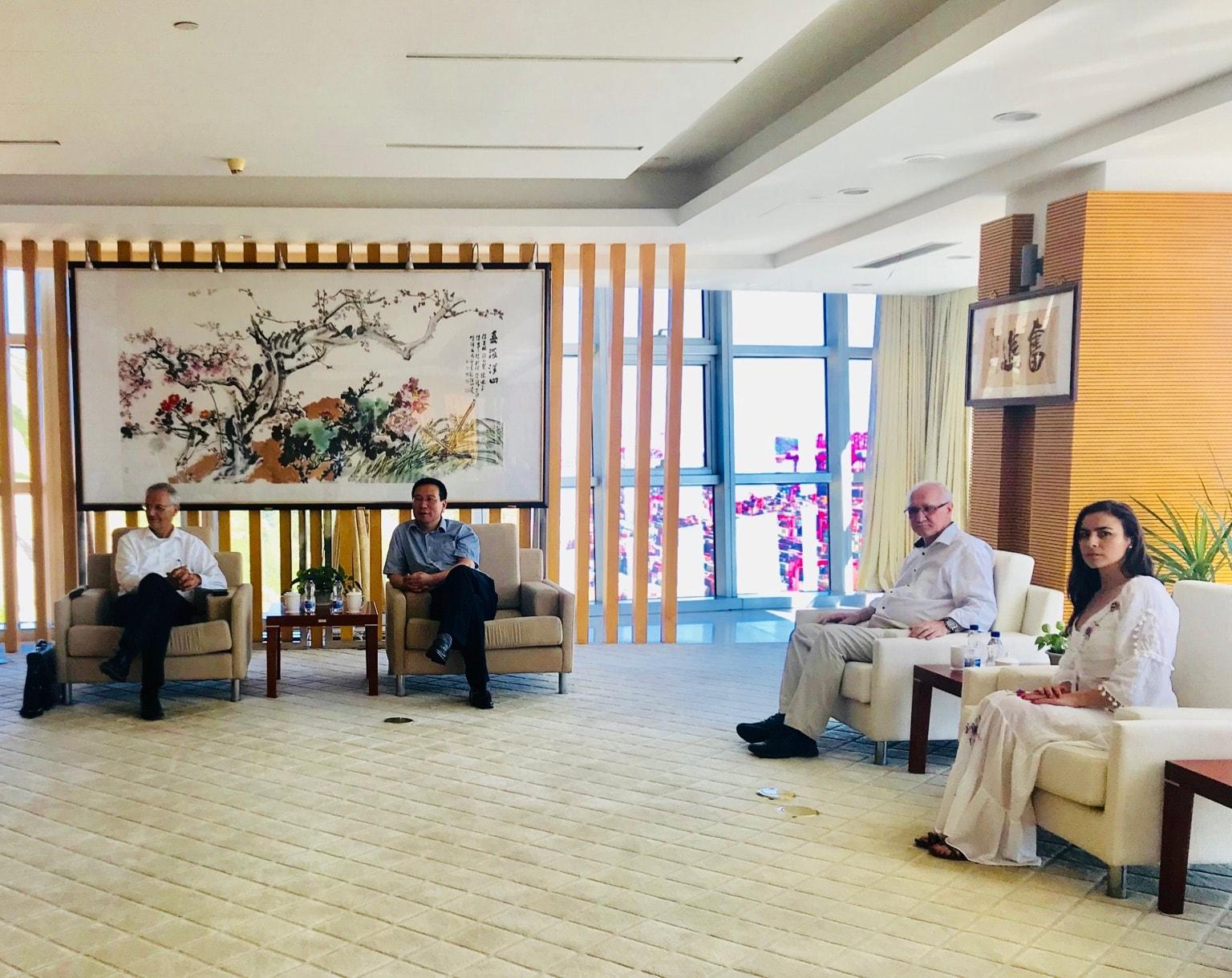 Intalnire cu directorul portului Shanghai