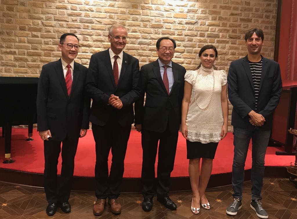 Europarlamentarul Gabriela Zoana si delegatia chineza