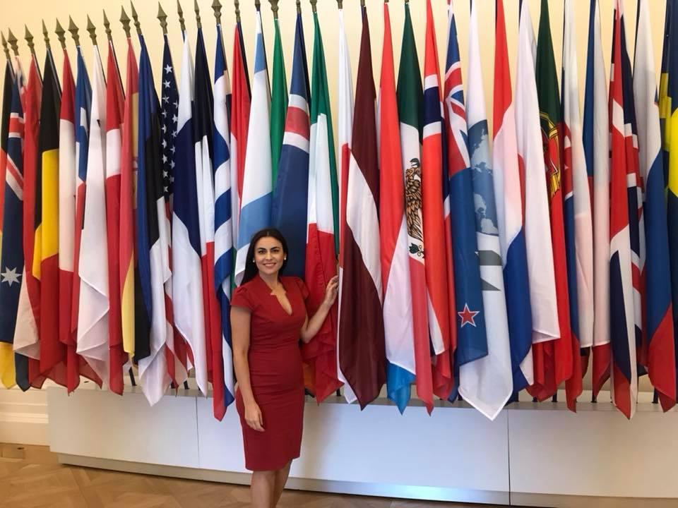 Gabriela Zoana, Forumul de la Paris