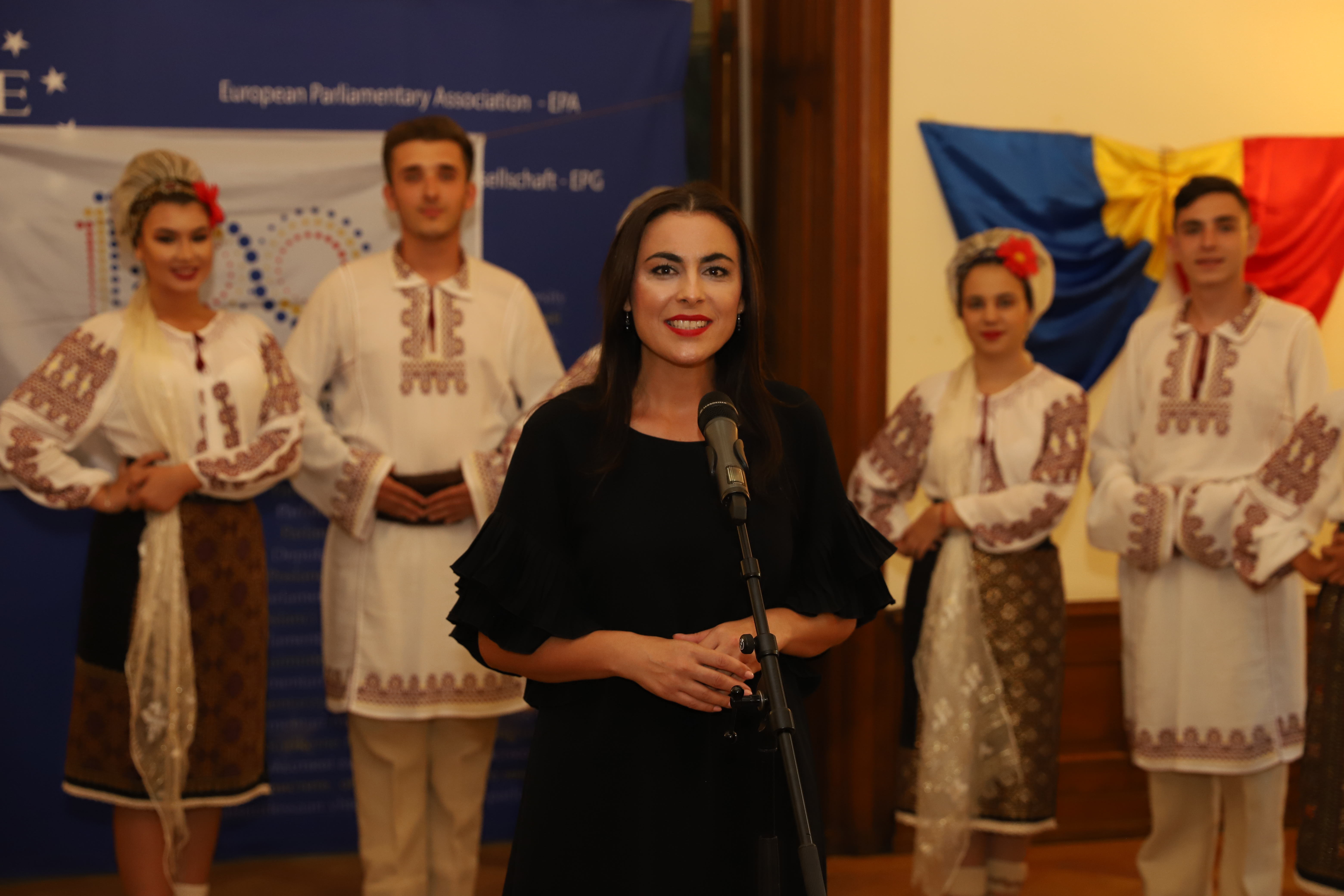 Gabriela Zoana - Eveniment Traditii Romanesti